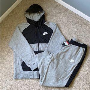 Nike Grey Joggers and Hoodie NWT